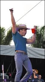 Dustin Lynch, Stagecoach 2016
